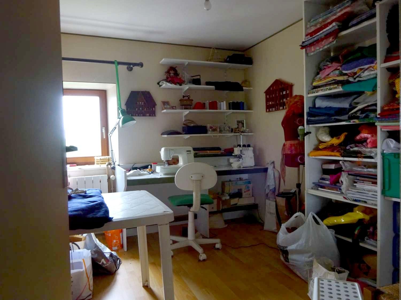 Dressing ou Bureau à l'étage. Actuellement atelier de couture